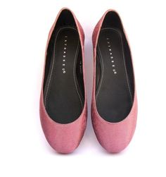 Wills Vegan Shoes offers fashionable Vegetarian and vegan shoes. We produce animal and human friendly shoes for men and women at affordable prices - http://wills-vegan-shoes.com/