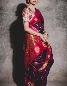 Indian Bridal Outfits, Indian Bridal Fashion, Dress Indian Style, Indian Dresses, Maharashtrian Saree, Marathi Saree, Maharashtrian Jewellery, Marathi Bride, Marathi Wedding