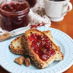 Strawberry Ginger Fig Jam Jelly Recipes, Jam Recipes, Ginger Jelly Recipe, Dried Fig Recipes, Hulled Strawberries, Fig Jam, Dried Figs, Fresh Lemon Juice, Breakfast Recipes