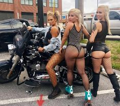 I can't wait for summer. For the weather to become hot and the ocean dive-able🧜🏼♀️. To me, it is truly the best time of the year. The sun,… Lady Biker, Biker Girl, Chicks On Bikes, Cafe Racer Girl, Motorbike Girl, Scooter Girl, Hot Bikes, Car Girls, Sexy Cars