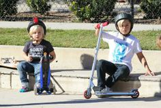 Zuma Rossdale - Gavin Rossdale takes his sons Kingston and Zuma to a park