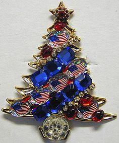 Patriotic Vintage Christmas Tree Pin
