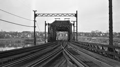 Providence, Rhode Island, 1952 Seekonk River Drawbridge in Providence, Rhode Island, in 1952.  Photograph by Leo King, © 2016, Center for Railroad Photography and Art. King-06-015-002