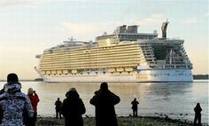 Google Image Result for http://elitechoice.org/wp-content/uploads/2009/11/worlds-largest-ship-1.jpg
