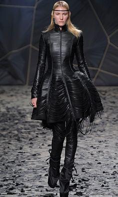 Gareth Pugh - Paris Fashion Week