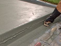 How to Patch and Resurface Concrete Steps resurfacing cement steps Repairing Concrete Steps, Repair Cracked Concrete, Cement Steps, Concrete Resurfacing, Cement Work, How To Resurface Concrete, Concrete Porch, Concrete Stairs, Concrete Floors