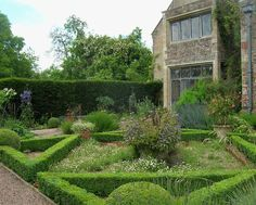 Boxwood Parterre - Cothay Manor - Somerset, England