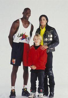 Michael Jordan, Macaulay Culkin and Michael Jackson | Rare and beautiful celebrity photos  Oh, the 90's...