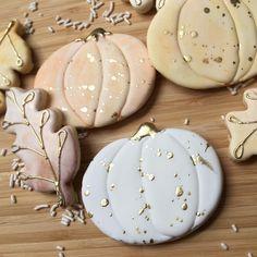 It's October y'all! It's October y'all! Chewy Sugar Cookies, Best Sugar Cookies, Galletas Cookies, Iced Cookies, Royal Icing Cookies, Cookies Et Biscuits, Pumpkin Sugar Cookies Decorated, Thanksgiving Cookies, Fall Cookies