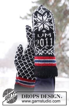"""Knitted DROPS mittens with pattern in """"Karisma"""". Size M - L. ~ DROPS Design"""