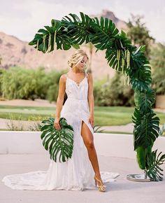 Ideas For Vintage Wedding Arch Ideas Green Vintage Wedding Arches, Boho Wedding, Dream Wedding, Wedding Ceremony Ideas, Hawaii Wedding, Destination Wedding, Summer Wedding, Wedding Designs, Wedding Decorations