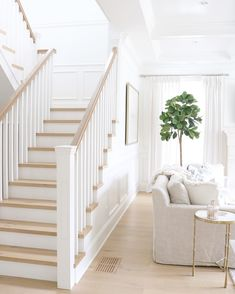 Wooden Stairs Design Wood Staircase 23 Ideas For 2019 White Staircase, Wood Staircase, Staircase Remodel, Staircase Design, Staircase Ideas, Oak Stairs, Wood Railings For Stairs, Basement Stairs, White Banister