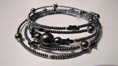 Bracelet en Hématites Noires et rocailles Argentées - perles Rondes et Etoiles : Bracelet par ancolie