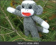 Baby sock monkey.  Free pattern.