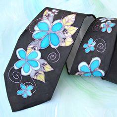 Malovaná kravata. Silk Painting, Ties, Detail, Handmade, Tie Dye Outfits, Hand Made, Neck Ties, Tie, Handarbeit
