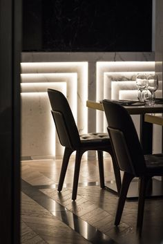 Beefbar - Humbert & Poyet | restaurant design | marble | lighting detail | wall panelling