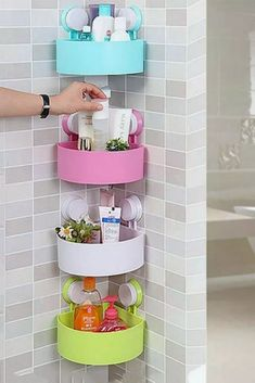 Awesome 33 DIY Home Decor Dollar Store Ideas Perfect For Beginners source : – Decoration Small Bathroom Organization, Diy Organization, Bathroom Storage, Bathroom Ideas, Teen Bathroom Decor, Bathroom Vanities, Bathroom Designs, Bathrooms Decor, Bathroom Hacks
