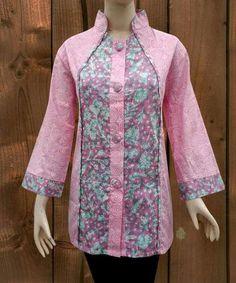 Blouse Batik, Batik Dress, Pakistani Fashion Casual, Pakistani Dress Design, Batik Fashion, Fashion Fabric, Dress Neck Designs, Blouse Designs, African Fashion Dresses