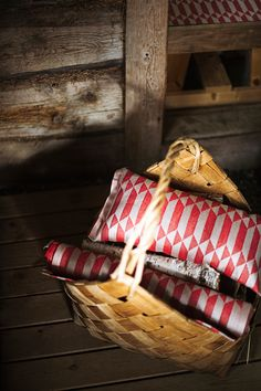 HILA pillow and seat cover. Design by Marja Rautiainen, woven in linen-cotton by Lapuan Kankurit, Finland Spa Sauna, Sauna Room, Finnish Sauna, Best Cleaning Products, Linen Towels, Terry Towel, Western Red Cedar, Garden Furniture, Simple Designs