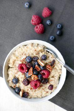 Schnelles und gesundes Vanille-Porridge mit nur 4 Zutaten - Gaumenfreundin Foodblog #schnellerezepte #gesunderezepte #gesundesfrühstück #porridgerezept #kochenfürkinder #rezeptefürkinder #vegetarischerezepte