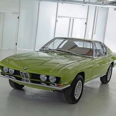 """𝖍𝖊𝖘𝖙𝖎𝖆 on Twitter: """"rejecting modernism and going back to making cars that look like this… """""""