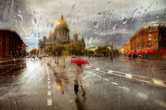 St. Petersburg-based Russian photographer Eduard Gordeev captures delicate cityscape scenes by taking photos in the rain. From BoredPanda.
