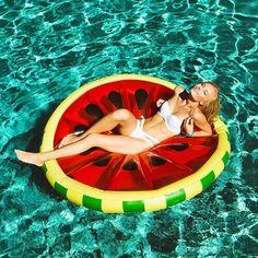 M s de 1000 ideas sobre flotadores de piscina en pinterest for Flotadores para piscina