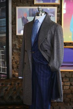 Sprezzatura-Eleganza | tailorablenco:   Grey pure cashmere winter coat....