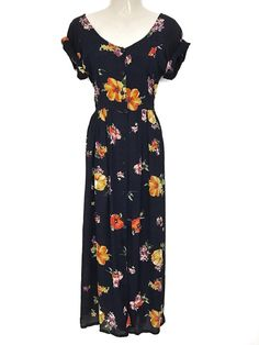 Mein Traumhaftes Original Vintage Kleid Maxikleid Knopfleiste Hippie Floral Blumenmuster Sommer Dress  von true vintage. Größe 38 / S/M / 10 für 47,00 €. Schau es dir an: http://www.kleiderkreisel.de/damenmode/maxis/155166714-traumhaftes-original-vintage-kleid-maxikleid-knopfleiste-hippie-floral-blumenmuster-sommer-dress.