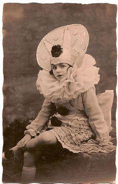Scrapologie | Pierrot dancer, 1930; my-ear-trumpet.tumblr.com