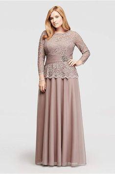 Searching for plus size mother of the bride or groom dresses? Shop at David's Bridal to find mother of the bride plus size gowns and dresses with jackets! Plus Size Long Dresses, Big Size Dress, Plus Size Gowns, Wedding Dresses Plus Size, Trendy Dresses, Mother Of The Bride Plus Size, Mother Of The Bride Dresses Long, Mothers Dresses, Dress Brokat