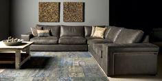 """Nieuw in de UrbanSofa collectie 2016! Een prachtige Loungebank met karakter.   Door zijn stijlvolle vormgeving en stoere afwerking met nagels aan de zijkant van de leuning brengt deze heerlijke Loungebank de perfecte sfeer in uw huis. Het speciaal ontworpen frame geeft de Ailean een ongeëvenaard zitcomfort. Standaard geleverd met de UrbanSofa """"Comfort Seat"""" zitkussens. Naar wens kunt u altijd kiezen voor de hardere zitkussens, of de latex vlokvulling voor een nog groter lounge effect."""
