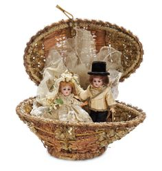 Two German Bisque Miniature Dolls as Wedding Couple in Basket 800/1100