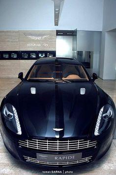AstonMartinRapide