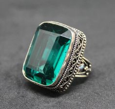 Large Green Glass Silver Plated 925 Ring - Size 9 - Needs Cleaning #VintageDesign