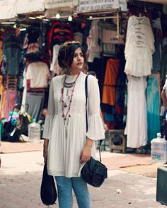 That boho girl casual indian fashion, indian outfits, indian dresses, indian style clothes Western Outfits, Boho Outfits, Indian Outfits, Casual Outfits, Fashion Outfits, Girl Outfits, Jeans Fashion, Indian Dresses, Boho Girl