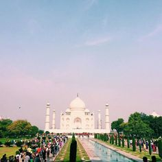 #mytajmemory Видели чудо света сфотографировались с пятидесятью индусами видели индийскую свадьбу пили индийскую водку (на вкус и запах как наша) ели индийскую еду. Погружение в культуру полным ходом. #Agra #magic #India #explore #adventures #travel #wanderlust #inspiration #vscotravel #vsco #vscocam #vscobest #vscogrid #vscophile #vscorussia #vscodaily #vscostyle #vscogood #vscoph #vscoonly #vscophoto #vscolove #instagood #instadaily #instalike #like4like #likeforlike #likesforlikes by…