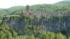 santa margarida - Zona Volcanica de la Garrotxa #beautiful #catalonia #spain