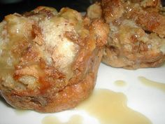 cinnamon bread puddings with caramel sauce