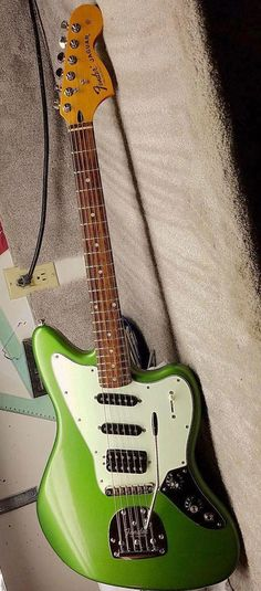 fender guitars 28 Outstanding Electric Guitar Kits Build Your Own Electric Guitar Volume And Tone Knobs Fender Bass Guitar, Fender Stratocaster, Fender Guitars, Guitar Pics, Music Guitar, Cool Guitar, Guitar Logo, Guitar Art, Guitar Chords