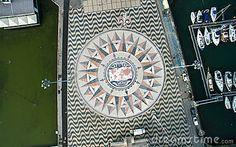 Odgórny widok mozaiki Światowa mapa pokazuje trasy i odkrycie w 15th xvi wiek…