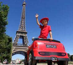 Entre deux tournages, Arthur a passé quelques jours de vacances à Paris. #Paris #Londres #Vacances #TourEiffel #Voyage #Arthurautourdumonde
