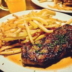 Steak Frites! Steak Frites, Meat, Recipes, Food, Beef, Meal, Food Recipes, Essen, Rezepte