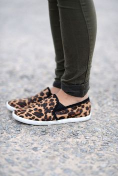 jeans and leopard slip ons via @My Style Vita   Fashion & Lifestyle Blog