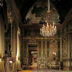 Veduta della Camera da Letto del Secondo Appartamento Imperiale