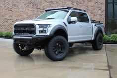 I totally am keen on this color choice for this %%KEYWORD%% Truck Rims And Tires, Custom Wheels And Tires, Lifted Ford, Lifted Trucks, Ford Trucks, Custom F150, Jeep Accessories, Ford Raptor, Car Insurance