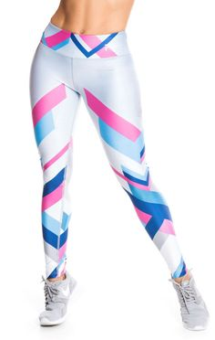 Amazing Workout Clothes Outfits to impress and progress - Outdoor Click Tops For Leggings, Sports Leggings, Workout Leggings, Shiny Leggings, Workout Clothes Cheap, Workout Clothing, Camouflage Leggings, Athletic Outfits, Athletic Clothes