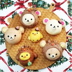 日本主婦的超強烹飪功力讓人佩服不已,為了讓孩子們均衡攝取所有營養,日本媽媽巧手製作的超繽紛可愛卡通人物便當早已在網路上引發熱烈討論,而現在,手撕麵包正取代卡通便當,成為日本媽媽之間最熱門的烹飪話題!…手撕麵包,ちぎりパン,卡通人物麵包,日本卡通餐包,卡通便當