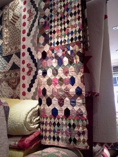 Antiques Textiles Company in Hampstead, Christopher Wilson-Tate's wonderful shop Old Quilts, Antique Quilts, Vintage Textiles, Vintage Quilts, Hexagon Quilt, Hexagons, Textile Company, Medallion Quilt, Quilt Stitching