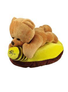 Peluche urso deitado em almofada com pote de mel Dimensões aproximadas: 26 cm x 14 cm x 16 cm #macmel #abelhas #mel #peluches Bee Gifts, Teddy Bear, Animals, Honeypot, Lay Me Down, Bees, Jars, Throw Pillows, Plushies